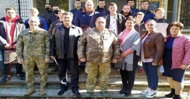 Служу Українському народові!